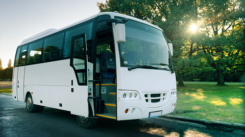 Na jakich warunkach można korzystać z wynajmowania busów?