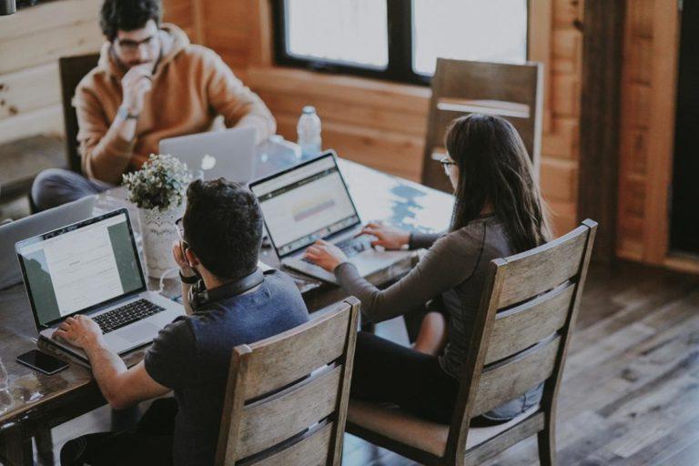 Poradnictwo w sferze ofert i formalności związanych z biurami